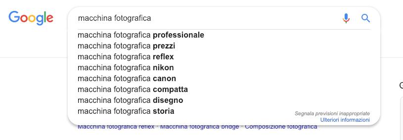 Come utilizzare il form di ricerca di Google per trovare keyword correlatte